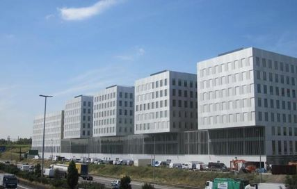 Antwerpen: newly build, perfect located offices for rent ( R