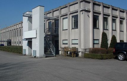Herentals: warehouse and offices for rent (Ref: HM011)